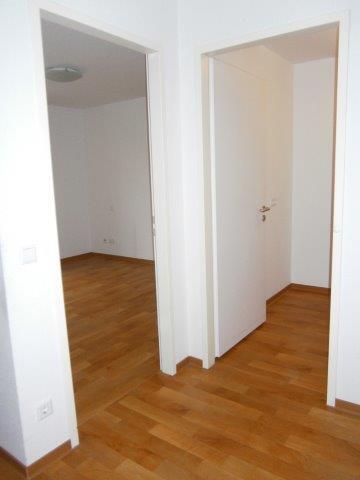 Flur 2 (mit Türen Schlafzimmer + Abstellkammer) ✓ Dissen ✓ 54 qm seniorengerechtes Appartement zu vermieten ✓