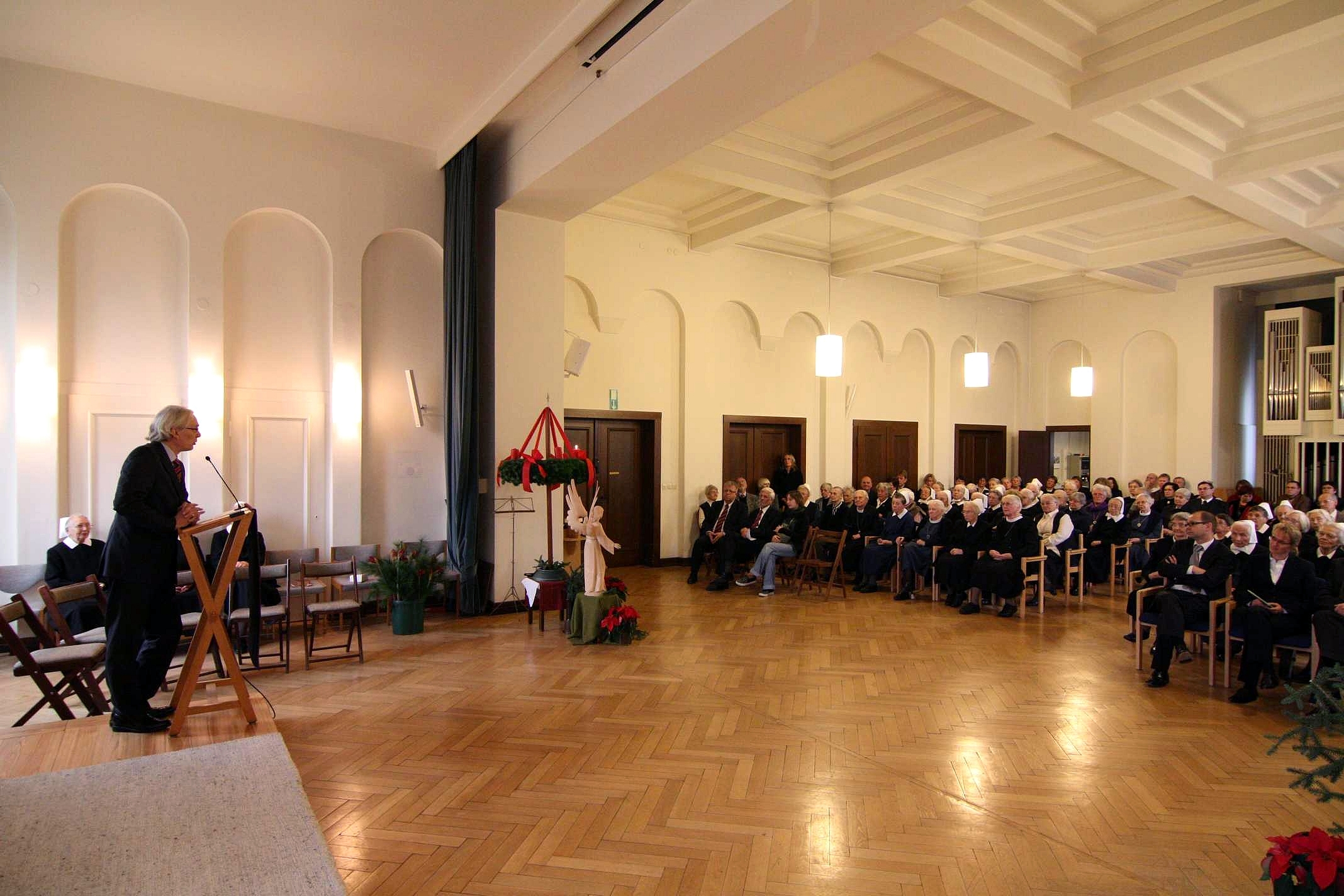 1. Advent 2008 in der hauseigenen Kapelle...